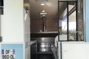 AGVM-aménagement-intérieur-camion-crêpe-1.3-2-300x200