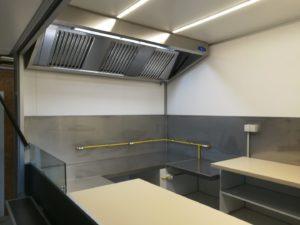 AGVM-aménagement-intérieur-remorque-crêpe-rénovée-6.2-1-1-300x225
