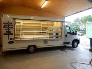 AGVM-aménagement-camion-de-marché-1-300x225