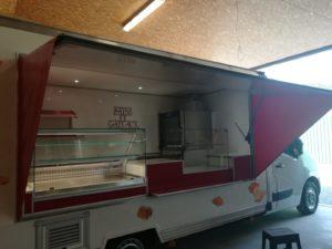 AGVM-aménagement-intérieur-camion-de-marché-3.1-300x225