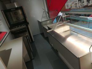 AGVM-aménagement-intérieur-camion-de-marché-3.4-300x225