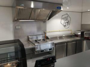 AGVM-aménagement-intérieur-foodtruck-1.2-300x225