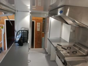 AGVM-aménagement-intérieur-foodtruck-1.3-300x225