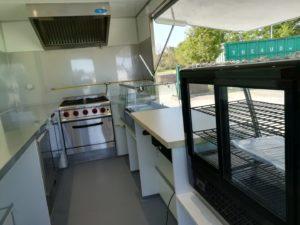 AGVM-aménagement-intérieur-foodtruck-3.2-300x225