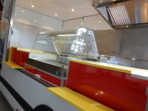 AGVM-aménagement-intérieur-foodtruck-4.4-300x225