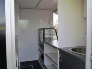 AGVM-aménagement-intérieur-foodtruck-7.4-300x225