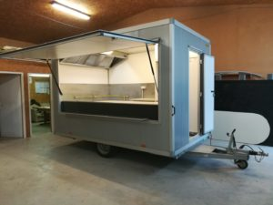 AGVM-aménagement-remorque-crêpe-rénovée-6-300x225