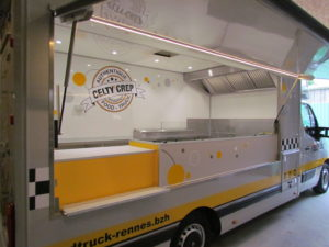 AGVM-aménagement-camion-crêpe-9.1-300x225