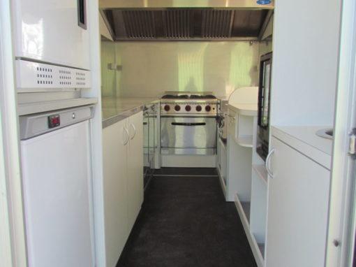 AGVM-aménagement-intérieur-foodtruck-8.2-510x382