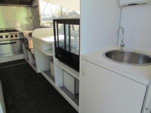 AGVM-aménagement-intérieur-foodtruck-8.4-300x225