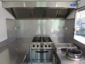 AGVM-aménagement-intérieur-foodtruck-8.5-300x225